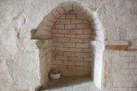 Credencia del muro norte con despiece simple